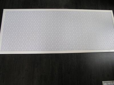 Prikbord met kanten zeil en fijne lijst